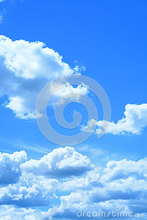 Free Blue Sky And Cloud As Background Texture In Vertical Frame Royalty Free Stock Photography - 55714217