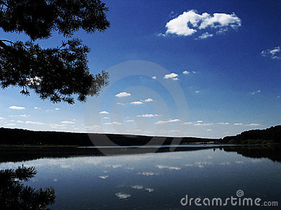 The blue sky in the lake