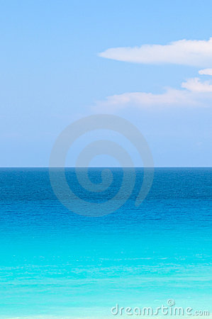 Blue and turquoise tropical ocean
