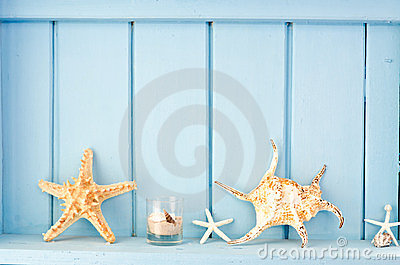 Blue wall decoration with shellfish
