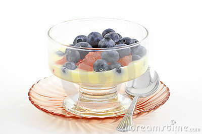 Blueberries, red grapefruit and yogurt