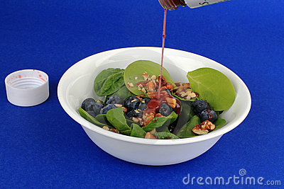 Blueberry and Pecan Salad