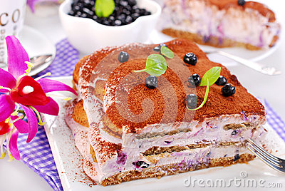 Blueberry tiramisu cake
