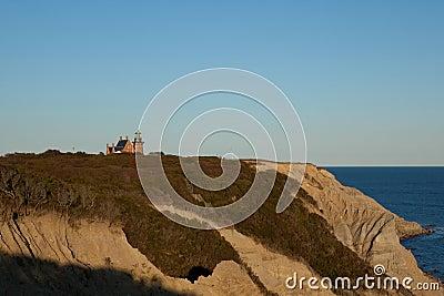 Bluffs de Mohegan et le phare du sud-est sur Blo