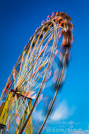 Free Blurry Ferris Wheel In Motion Stock Image - 24497111