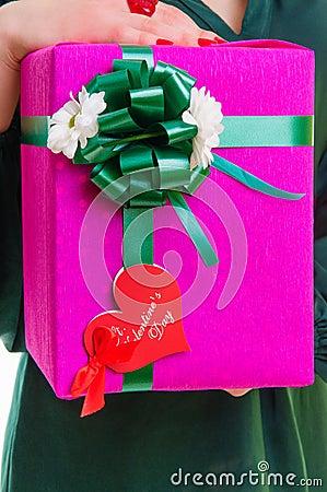 Boîte-cadeau avec le coeur