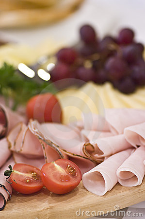 Free Board Of Ham And Meat Slices Royalty Free Stock Images - 5684009