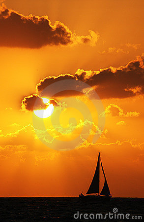 Free Boat At Sunset Royalty Free Stock Photography - 9036657