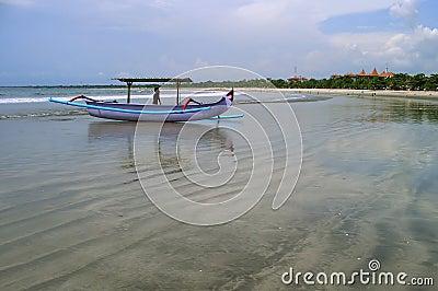 Boat, Beach & Sea