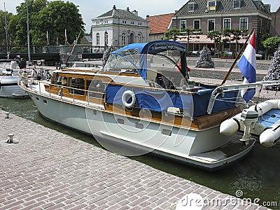Boat entering the muiden locks