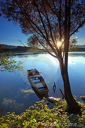 Free Boat On The River Royalty Free Stock Image - 1369786