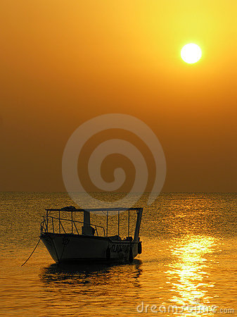 Free Boat. Sunrise Royalty Free Stock Images - 456969