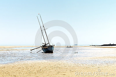 Boat and tidal shore