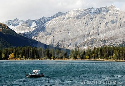 Boating among the moutains