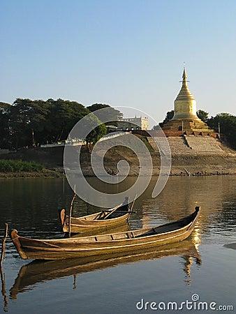Free Boats And Pagoda Stock Photos - 14528303