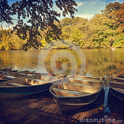 Free Boats Over Lake In Central Park, New York, NY Stock Photography - 31480462
