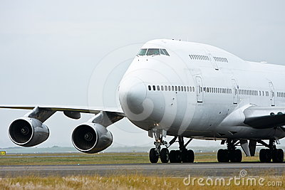 Boeing 747 jet airliner in white