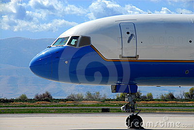 Boeing 757 Nose Stock Photography - Image: 4537872