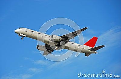 Boeing 757 passenger jet taking off
