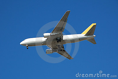 Boeing 767 heavy cargo jet