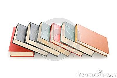Boeken op witte achtergrond worden geïsoleerd die
