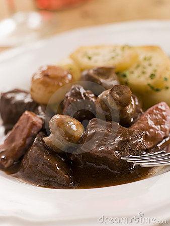 Free Boeuf Borguignon With Saute Potatoes Royalty Free Stock Images - 5619519