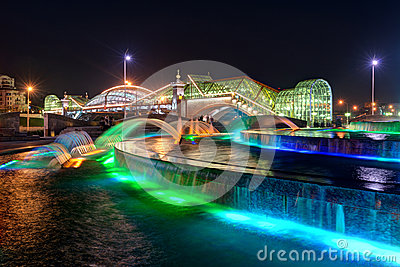 Bogdan Khmelnitsky bridge and fountain at night in Moscow