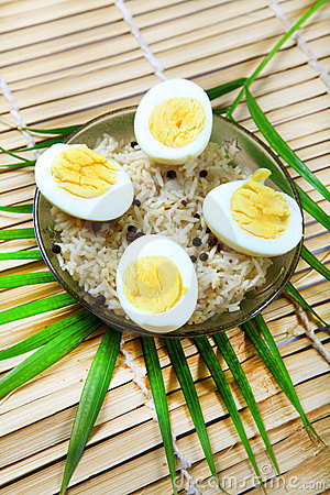 Boiled eggs and rice