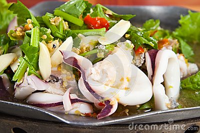 Boiled squid with Lemon