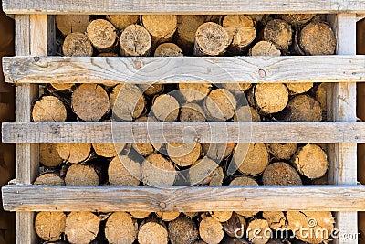 bois de chauffage dans un support en bois entrouvert photo stock image 54047930. Black Bedroom Furniture Sets. Home Design Ideas