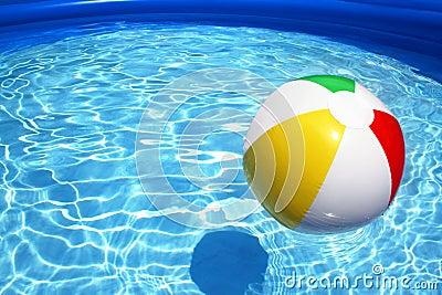 Bola en piscina