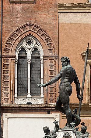 Bologna, Neptune s bronze statue and window