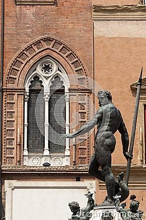 Bologna, Neptune s bronze statue and window