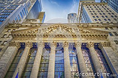 Bolsa de acción de NY, Wall Street Fotografía editorial