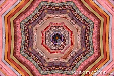 Bolts kaleidoscopic vaddera för tyg