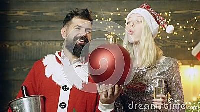 Bomba de la Navidad Auge creativo E almacen de metraje de vídeo