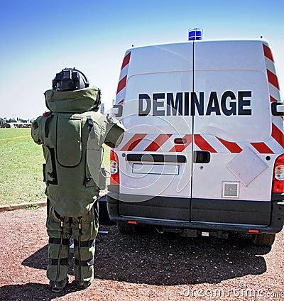 Bombardera truppen (Deminage)