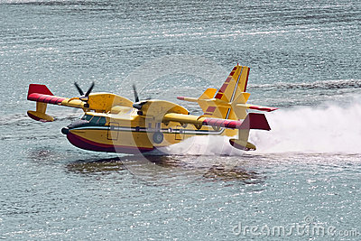 Bombardier 415 firefighting aircraft