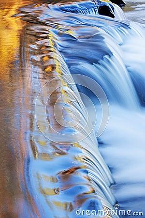 Free Bond Falls Cascade Stock Images - 21594314