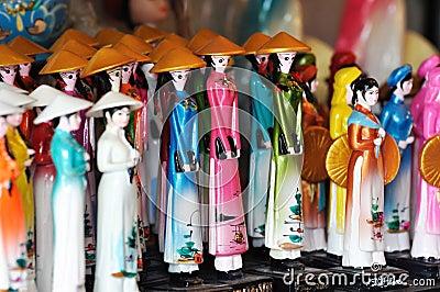 Bonecas no estilo tradicional de Vietnam