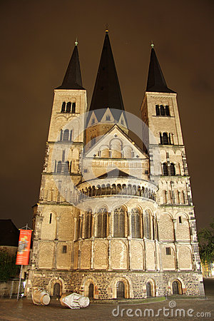 Bonn Minster at night (Germany)