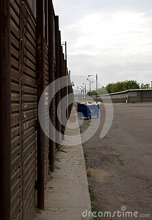 Border fence Editorial Photo