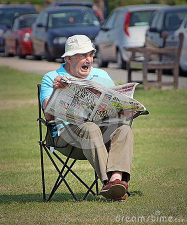 Free Boring Sunday Newspaper Read Royalty Free Stock Photo - 65266365