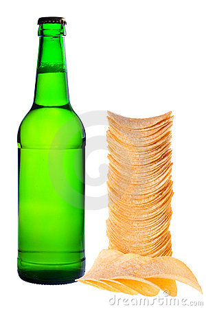 A bottle of beer and chips