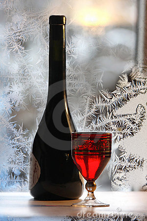 Free Bottle Bottle Of Red Wine On Wintry Background Stock Photo - 7662280