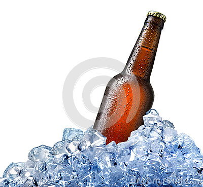 Free Bottle Of Beer In Ice Stock Photo - 71512880