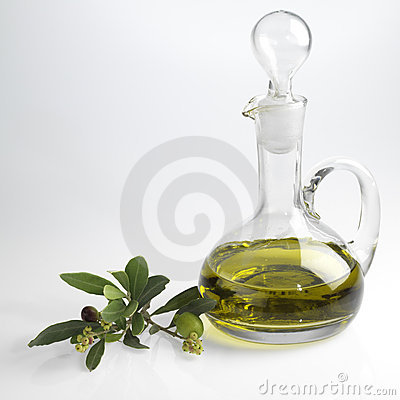 Free Bottle With Fine Olive Oil Royalty Free Stock Photo - 3769345