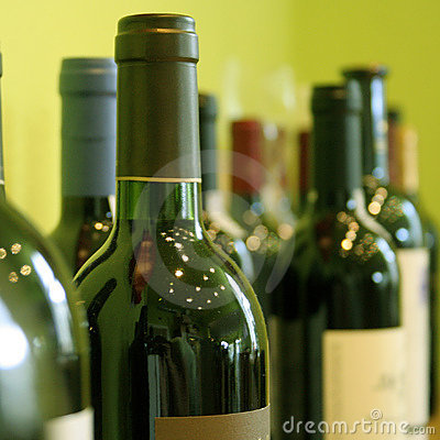 Free Bottles Of Wine Stock Photos - 4172243