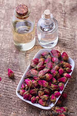 Free Bottles With Essential Aroma Oil With  Rose Stock Images - 66552814