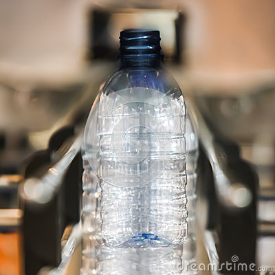 Bottling water on the conveyor